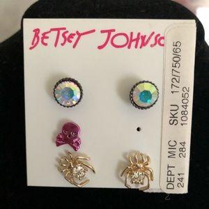 Betsey Johnson NWT Earring Set